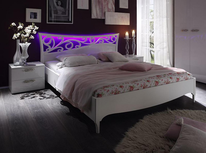 bett sonja 180x200 wei hochglanz lackiert mit led. Black Bedroom Furniture Sets. Home Design Ideas