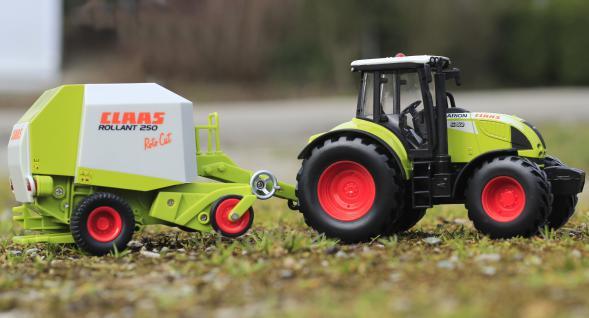 Spielzeug Traktor Class METALLAUSFÜHRUNG in 1:32 + Anhänger TOP QUALITÄT