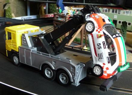 ABSCHLEPPER LKW Scania in 1:32 für Carrera TOP DEKORATION - Vorschau 1