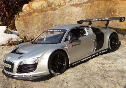 """RC Modell AUDI R8 LMS mit LICHT 32cm 40MHz """"Ferngesteuert"""""""