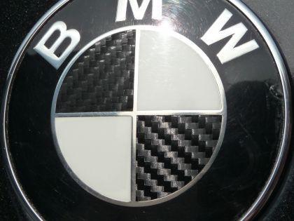 carbon emblem ecken dekor f r alle bmw kaufen bei wim shop. Black Bedroom Furniture Sets. Home Design Ideas