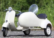 Stand-Modell-Motorrad PIAGGIO VESPA 150 VL1T mit BEIWAGEN Länge 30cm