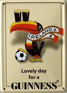 Guinness Tukan mit Fussball Mini Blechschild
