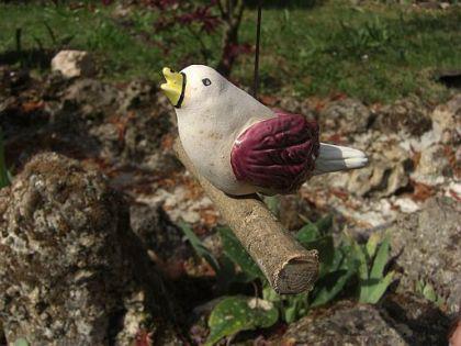 Keramik Vogel, hängend, auf Holzstab, sandfarben m - Vorschau 1