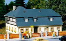Auhagen H0 11385: Wohnhaus Mühlenweg 1 (Bausatz)