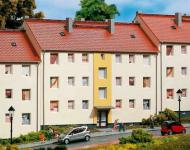Auhagen H0 11402: Mehrfamilienhaus