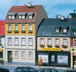 Auhagen H0, TT 12272: Wohnhäuser Nr. 5/7