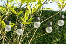 4er-Set LED Solaranhänger Kristallglas, Gartenkugel, Solarlampe, Echtglas