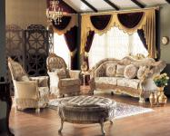 Casa Padrino Barock Neoklassik Sofa Set - 3er Sofa, 2 Sessel und Hocker - creme/gold - Luxus Kollektion aus Italien