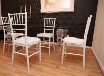 Designer Acryl Esszimmer Set Weiß/Weiß - Ghost Chair Table - Polycarbonat Möbel - 1 Tisch + 4 Stühle - Casa Padrino Designer Möbel