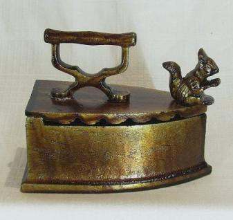 Briefbeschwerer Bügeleisen Eichhörnchen aus Metall 13cm - Vorschau 2