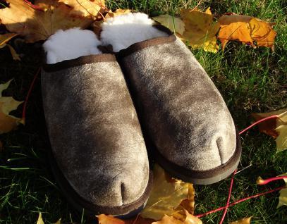 Echt Lammfell Pantoffeln - Puschen - Schlappen mit besonderer Lederoptik in braun, Hausschuhe