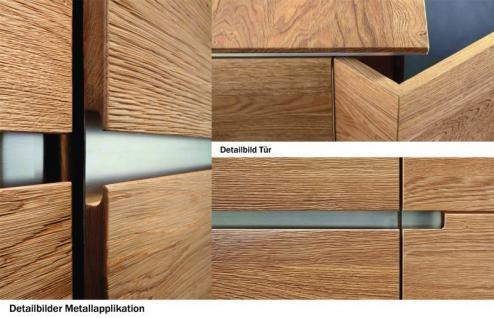 Vitrine Vitrinenschrank Wohnzimmer Asteiche Eiche massiv geölt Metallapplikation - Vorschau 4