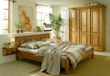 Schlafzimmer Kompletteinrichtung Doppelbett Schrank Konsole Fichte massiv antik