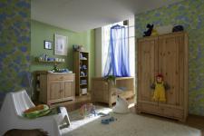 Babyzimmer Kinderzimmer komplett Babybett Schrank Wickelkommode Kiefer massiv