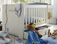 Babybett Gitterbett höhenverstellbar Schlupfsprossen Pinie massiv weiß grau