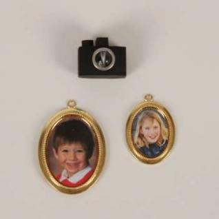 Bodo Hennig 26641 - Fotoapparat mit Bildern für Puppenstube