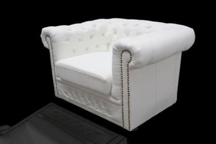 Klassischer Chesterfield Sessel, weiß / matt mit Nietenbesatz - Vorschau 4