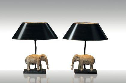 Tischleuchte Elefant links, Klassisch, Farbe Bronzeguss handbemalt, Schirm handgewischt.