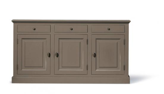 klassische anrichte sideboard im landhausstil in vier. Black Bedroom Furniture Sets. Home Design Ideas
