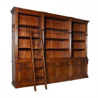 Ein klassischer Bücherschrank im Landhausstil - Vorschau