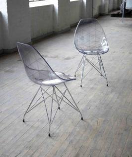 Design-Stuhl mit verchromten Stuhlbeinen