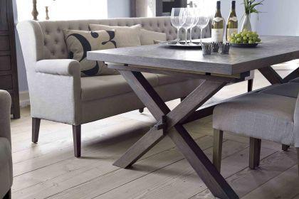 esstisch mit metallbeinen und massivholzplatte aus. Black Bedroom Furniture Sets. Home Design Ideas