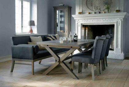 esstisch im landhausstil aus eichenholz massiv in 240 cm l nge kaufen bei richhomeshop. Black Bedroom Furniture Sets. Home Design Ideas
