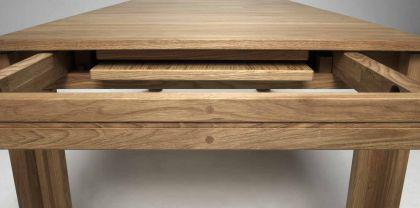 Esstisch aus eichenholz furniert kaufen bei richhomeshop for Eichenholz esstisch