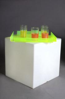 Designer Tisch in Weiß aus Polythylen Kubo Plexi, leuchtend