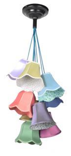Pendeleuchte mit vielen bunten lampenschirmen durchmesser for Lampe mit mehreren schirmen