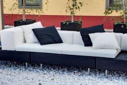 Designer Sofa in Schwarz/Weiß Happylife