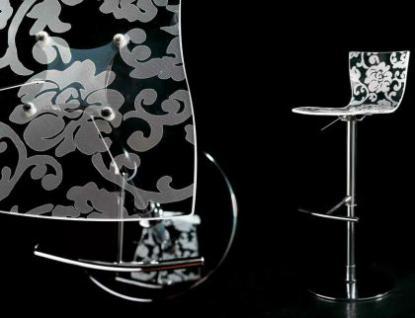 Design Barhocker mit Blumenmuster