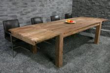 Tisch im Landhausstil, massiv Holz