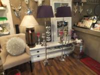 Klassische Stehleuchte, verchromt mit einem violetten Lampenschirm, 45 cm Durchmesser