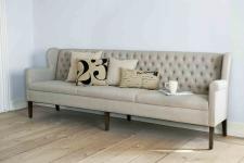 Gepolsterte Bank-Sofa im klassischen Stil, 240 cm Länge