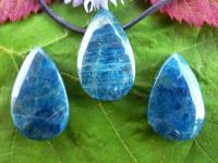Apatit blau, gebohrter Tropfen Anhänger Cabochon