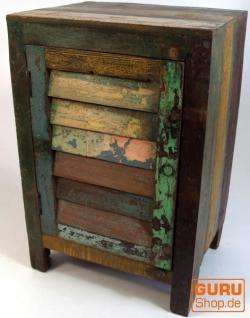 Nachttisch mit Lamellentür aus Recycel-Holz (JH0-051)