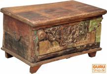Truhe, Holzbox mit Verzierungen