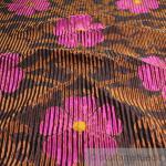 Stoff Seide Leinen Polyacryl aubergine bronze Blume Wellenoptik blickdicht