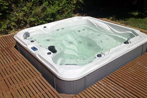 SPA HOT TUB DS 200 WHIRLPOOL GARTENWHIRLPOOL JAKUZZI 5 Personen
