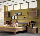 Thielemeyer Mali Schlafzimmer Komfort-Liegenbett mit Nachtkonsole und 2 Hängeschränken Schlafzimmermöbel massiv Ausführung Nussbaum