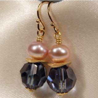 Ohrhänger mit SWAROVSKI Elements, Süßwasserperle und Silber vergoldet. Dunkelblau - Vorschau 2