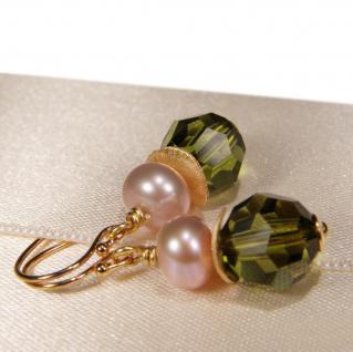 Ohrhänger mit SWAROVSKI Elements, Süßwasserperle und Silber vergoldet. Oliv - Vorschau 2