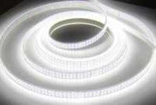 SET: ULTRA HIGHPOWER LED STRIP STREIFEN LEISTE 5mt neutralweiß natur weiss weiß, wasserfest IP65, 1200LED inkl. Netzteil (Pro-Serie) 24V TÜV/GS geprüft, 5400Lumen