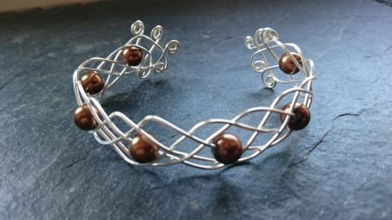 EinziK-Art Geflochtener Armreif braune Perlen 925 Silber