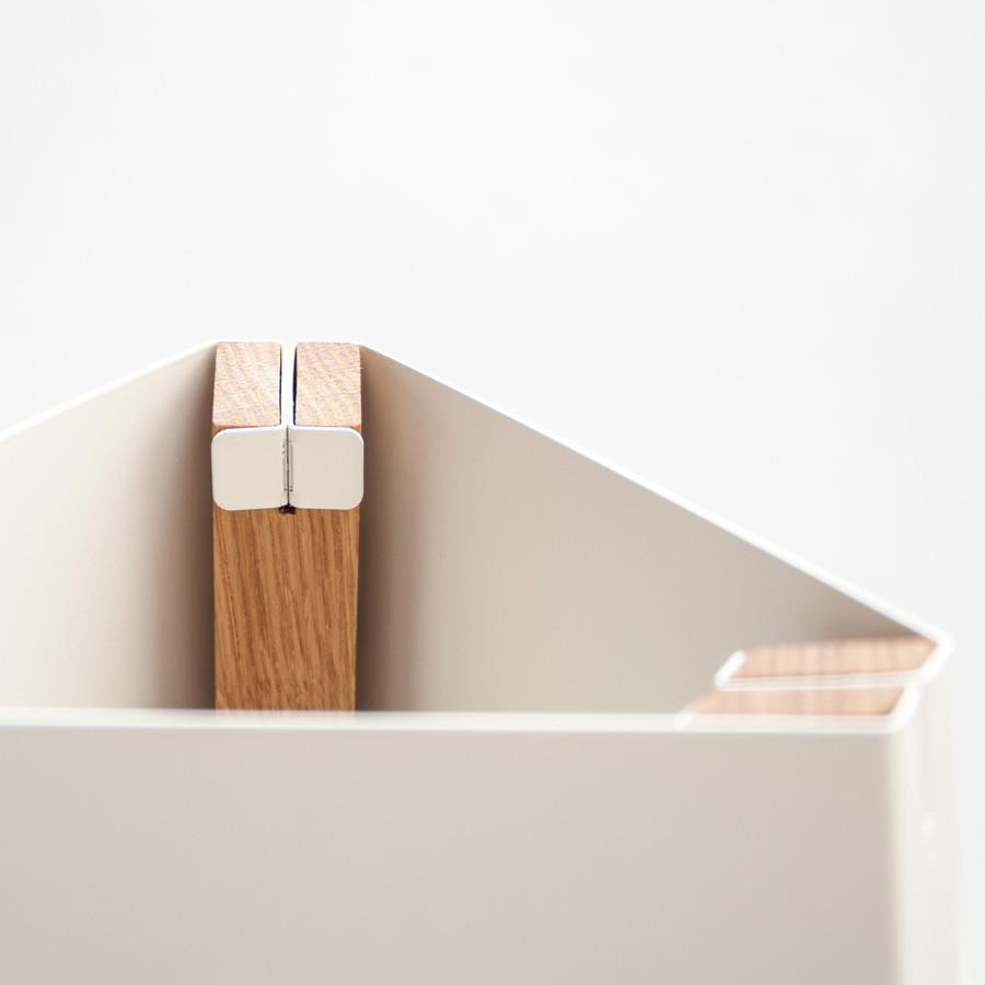 licht trend la3b 50 tischleuchte mit holzfu aus eiche. Black Bedroom Furniture Sets. Home Design Ideas
