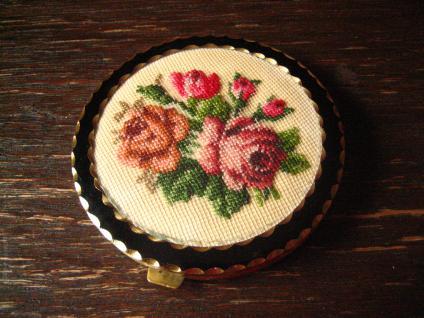 True Vintage Nostalgie edler Spiegel Taschenspiegel mit Puderdose Lack und Rosen