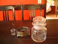 Rarität Menage Gurken Glas im Ständer und Gabel Pickle Castor fork cut glass jar
