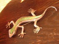 traumhafter Anhänger / Brosche Eidechse Salamander 925er Silber grüne Schuppen
